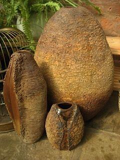 Coil pots - Jackie Trott Www.jackietrott.weebly.com