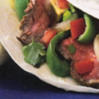 Beef Fajitas - Team these fajita's with some salsa, chips and your favorite margarita's to make an awesome meal for your football party! Start it the day before and it will be fast and easy so you can spend time with your guests. #beeffajitarecipe