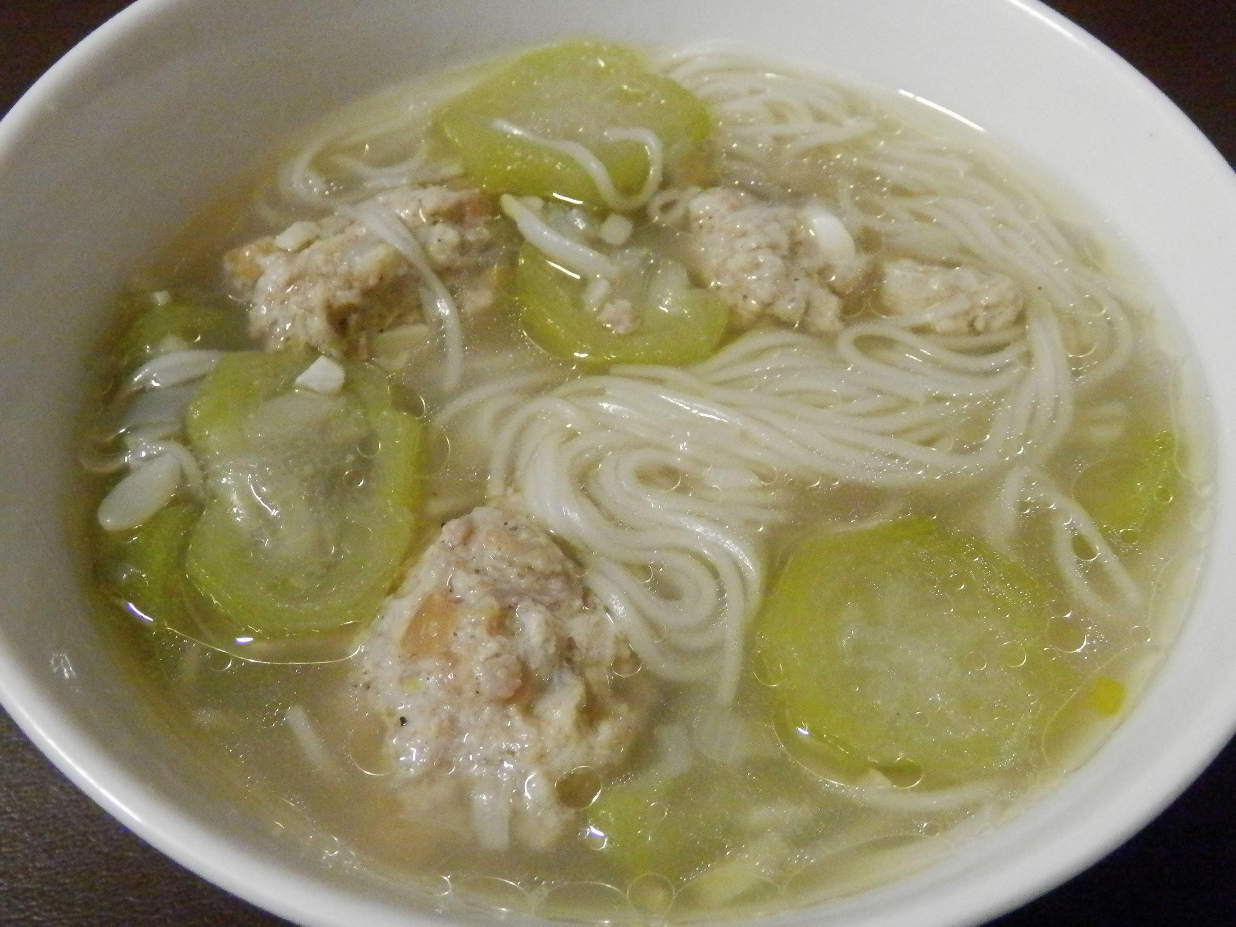 Filipino recipes misua with meatballs