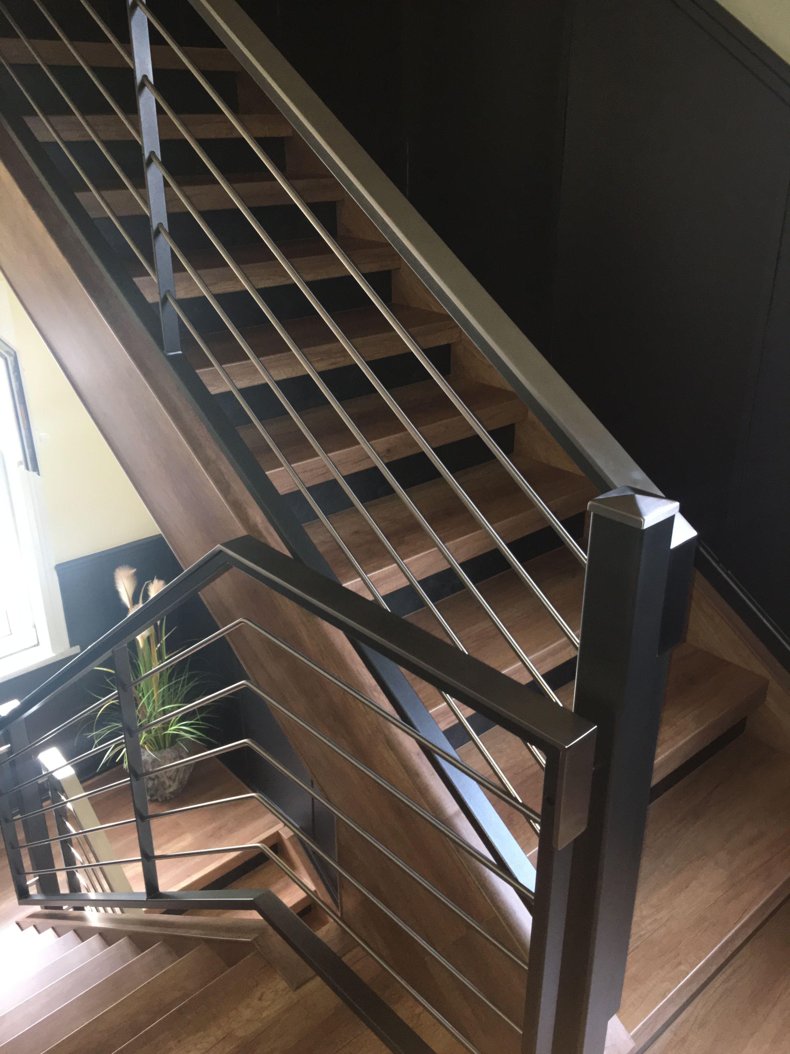 hausflur modern gestalten alte treppe neu gestalten pinterest renovierung treppe und haus. Black Bedroom Furniture Sets. Home Design Ideas