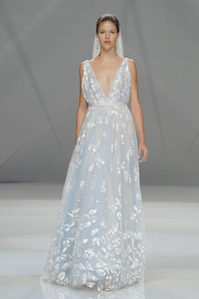 Vestidos de novia con escote en V 2017: Diseños para novias ...