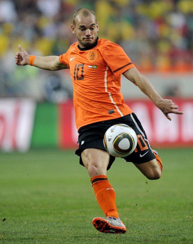 Wesley Sneijder Announces Netherlands Retirement