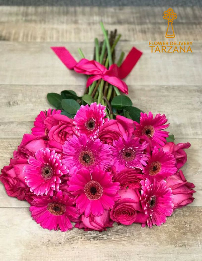 On This Birthday Bring A Smile With Beautiful Flowers Birthday Beautiful Flowers Tarza Best Flower Delivery Flower Delivery Beautiful Bouquet Of Flowers