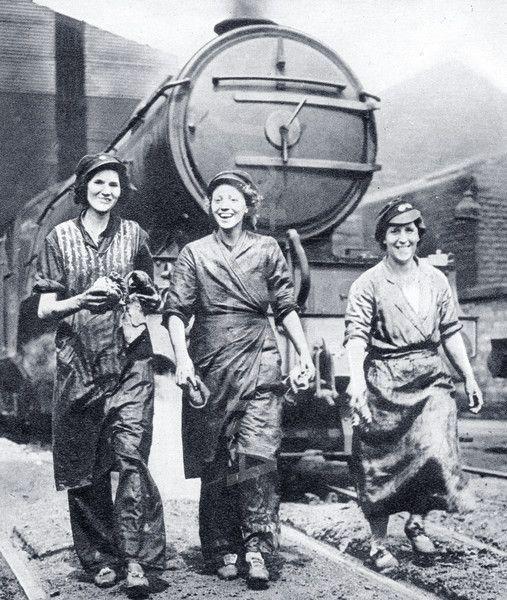 Women Railway Workers - WW2. | women of wwii | Pinterest | Women's ...