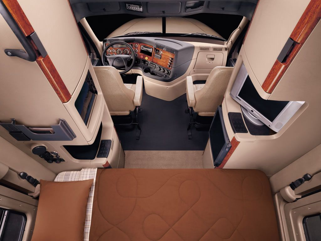2017 Freightliner Cascadia Evolution Interior