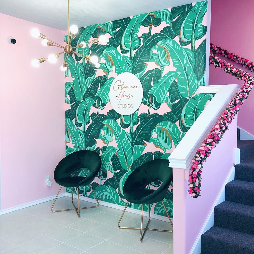 """💗GlamourHouseStudios on Instagram: """"🌸 Should we Get a pink Phone? 🌸 Yes Or No 💗 Palm Wall @md_arts 💗 Sign @shopaalvo #lashdecor #lashroom #salondecor #salondesign…"""""""