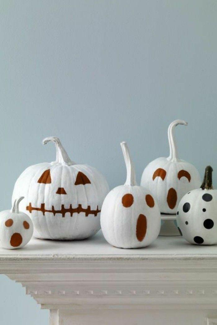 Herbst Dekoration zu Halloween mit bemalten Kürbissen #dekoherbst