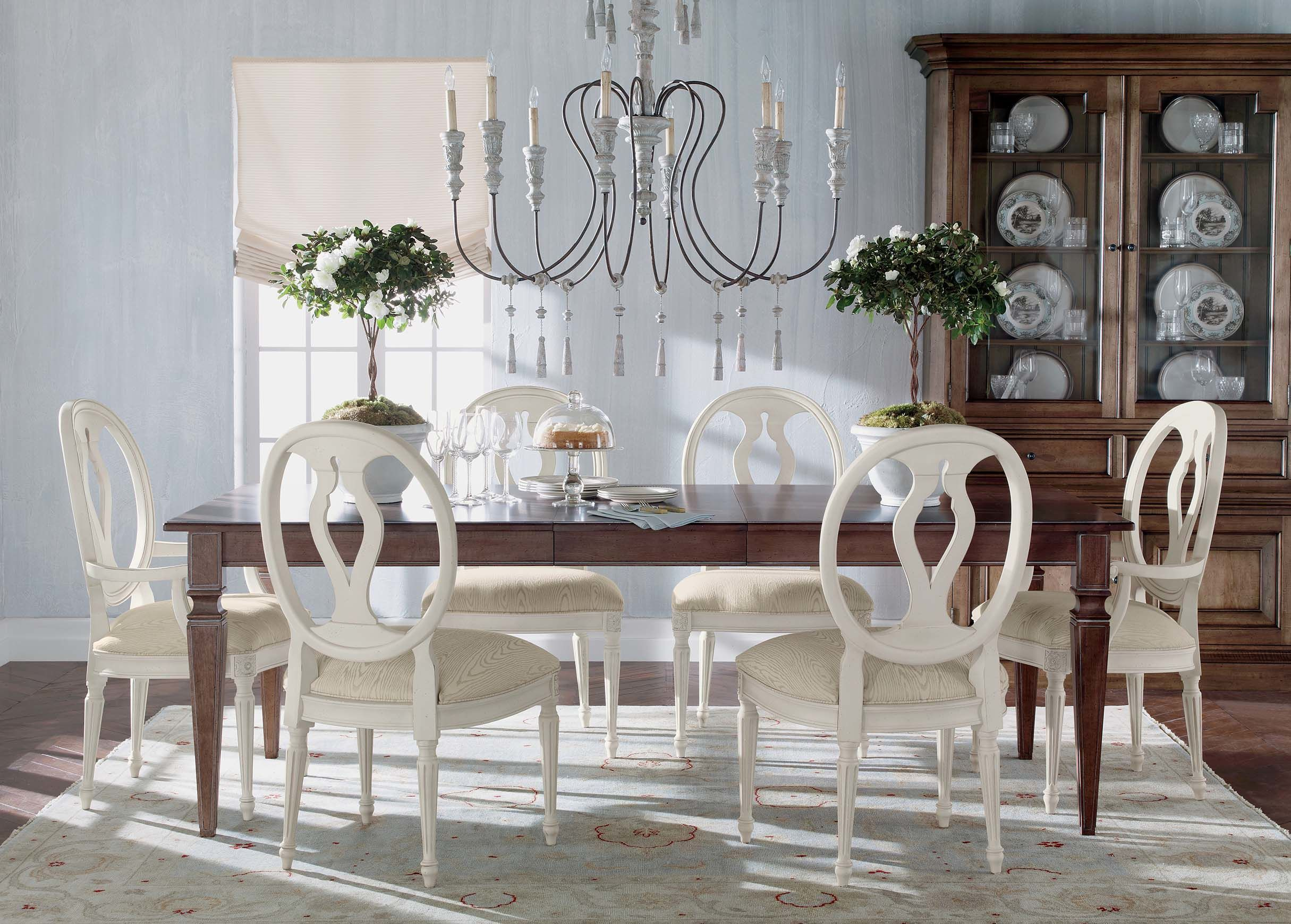 this table and chairs is nice avery large extension dining table