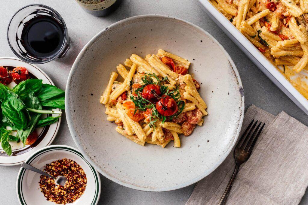 Tiktok Pasta Super Easy Baked Feta Pasta I Am A Food Blog Recipe In 2021 Feta Pasta Feta Recipes