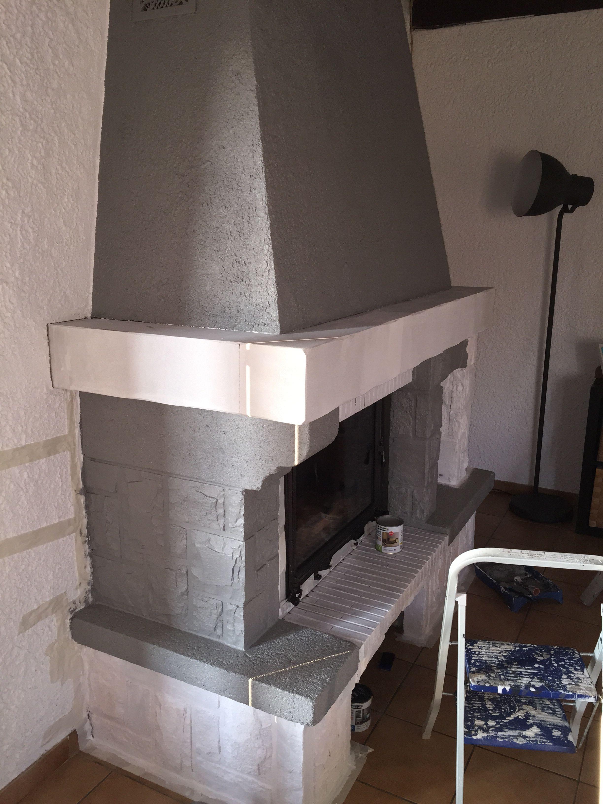 pingl par stephanie piano sur relooking chemin e pinterest chemin e moderniser cheminee. Black Bedroom Furniture Sets. Home Design Ideas