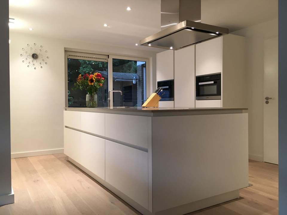 Referentie Wildhagen | Greeploze design keuken met kookeiland. https://www.facebook.com/wildhagen.nl/posts/934925086612558
