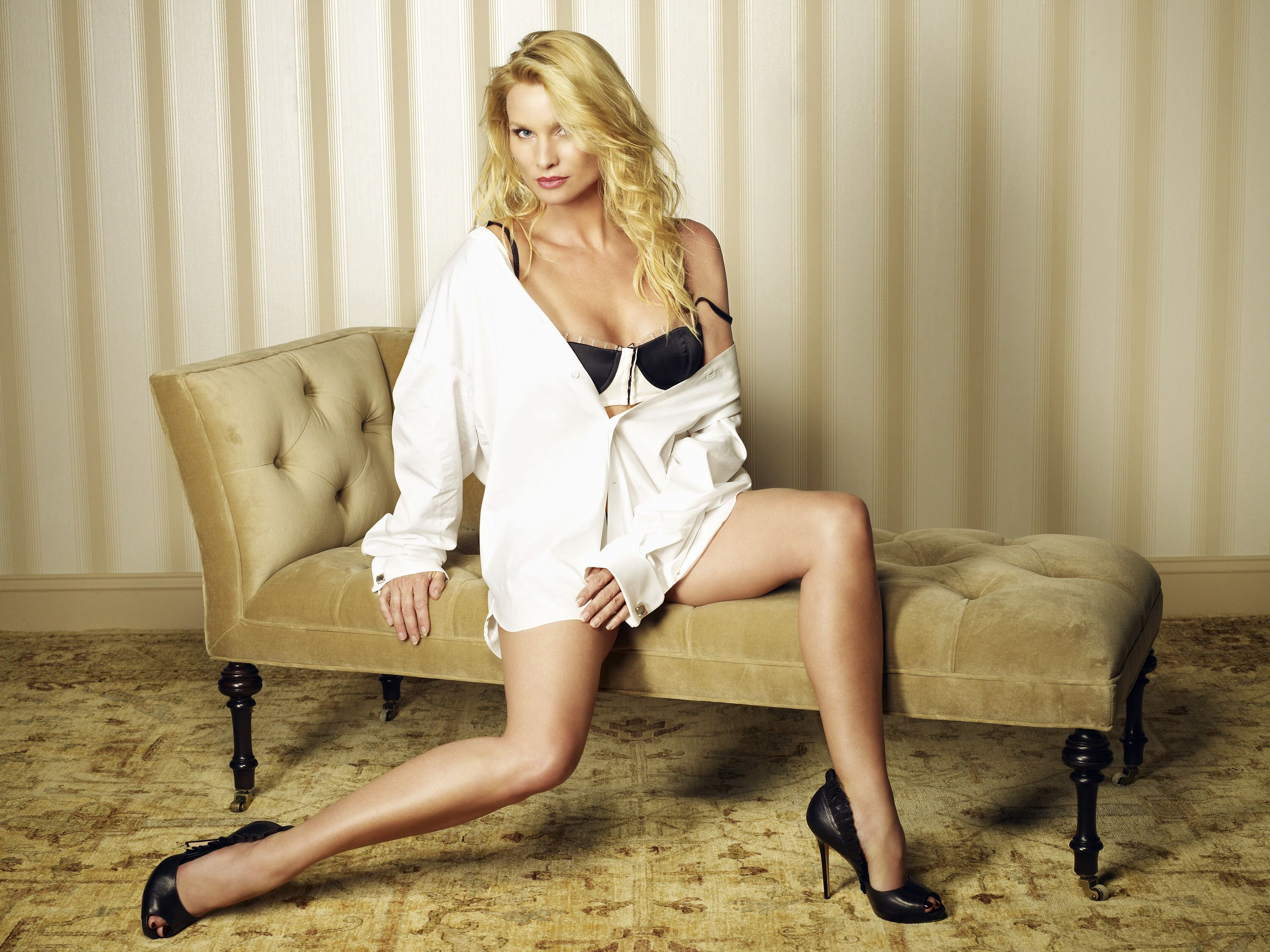 Communication on this topic: Gail Elliott GBR 	1995, nicollette-sheridan-born-1963/
