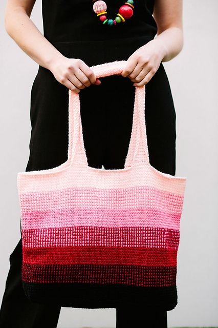 Tunisian Ombre Tote pattern by Hayley Joanne Robinson