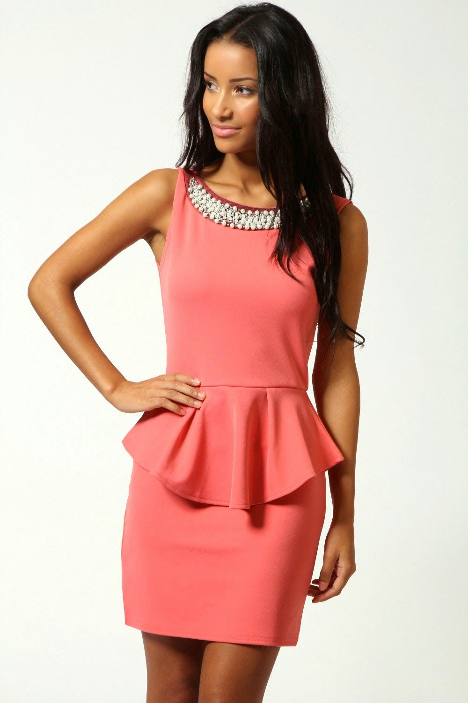 c7a1278e1 Grandiosos vestidos de fiesta sencillos y elegantes