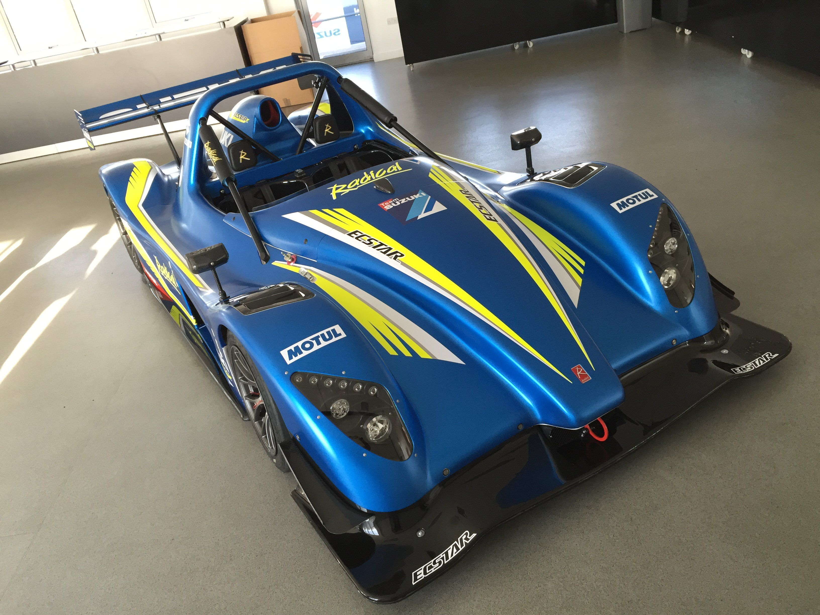 Superb Suzuki Hayabusa Powered Radical SR3