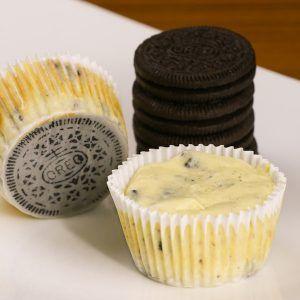 Mini Oreo Cheesecake Cupcakes #cheesecakecupcakes