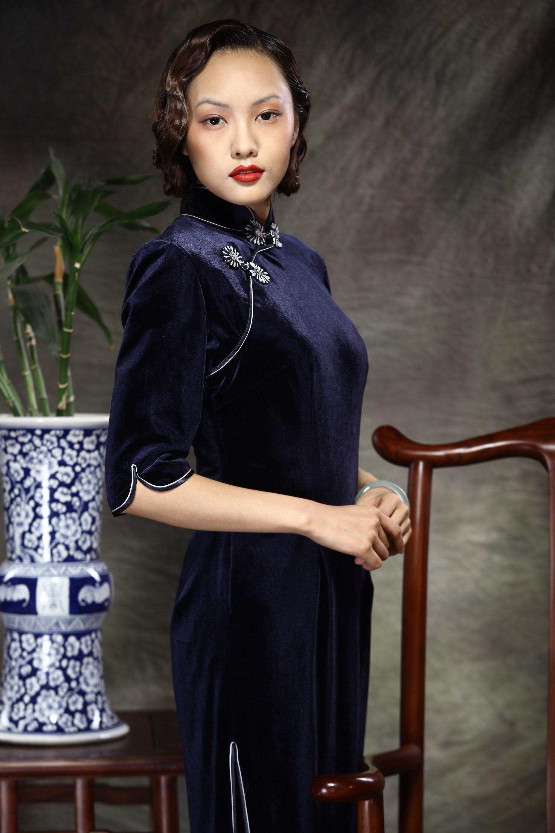 Chinese Haute Couture Long Style Cheongsam Gowns Dark Blue - $242 - SKU: 037622 - Custom Now: http://elegente.com/redshop.html #REDPALACE #Cheongsam #Qipao