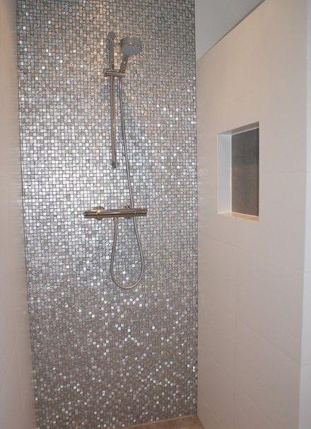 Badkamer met mozaïek en nisjes | Secuur Tegelwerken | Bathroom ...