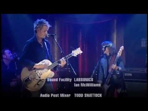 Suzi Quatro Chris Cheney Stumblin In Rockwiz Duet Youtube Duet Songs Cheney