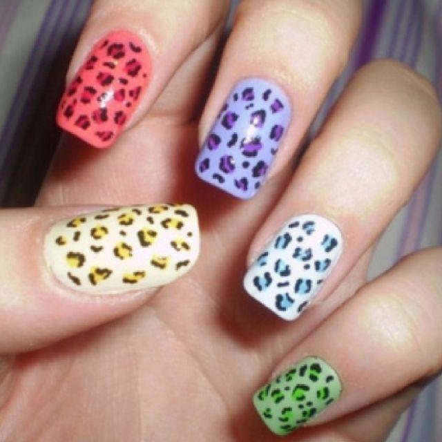 Cómo Pintarse Las Uñas Bien Guía Paso A Paso Con Fotos Como Pintarse Las Uñas Uñas De Leopardo Mejores Diseños De Uñas