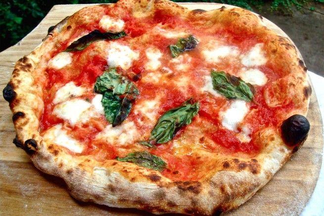 Ricetta Pizza Italiana.Ricetta Pizza Alla Napoletana Quella Originale Margherita Pizza Italian Pizza Recipe Italy Pizza