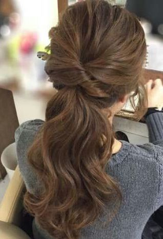 Lovely Hairstyle For Lazy Girls On Dark Brown Hair Bridesmaid Ponytail Hair Styles Low Ponytail Hairstyles