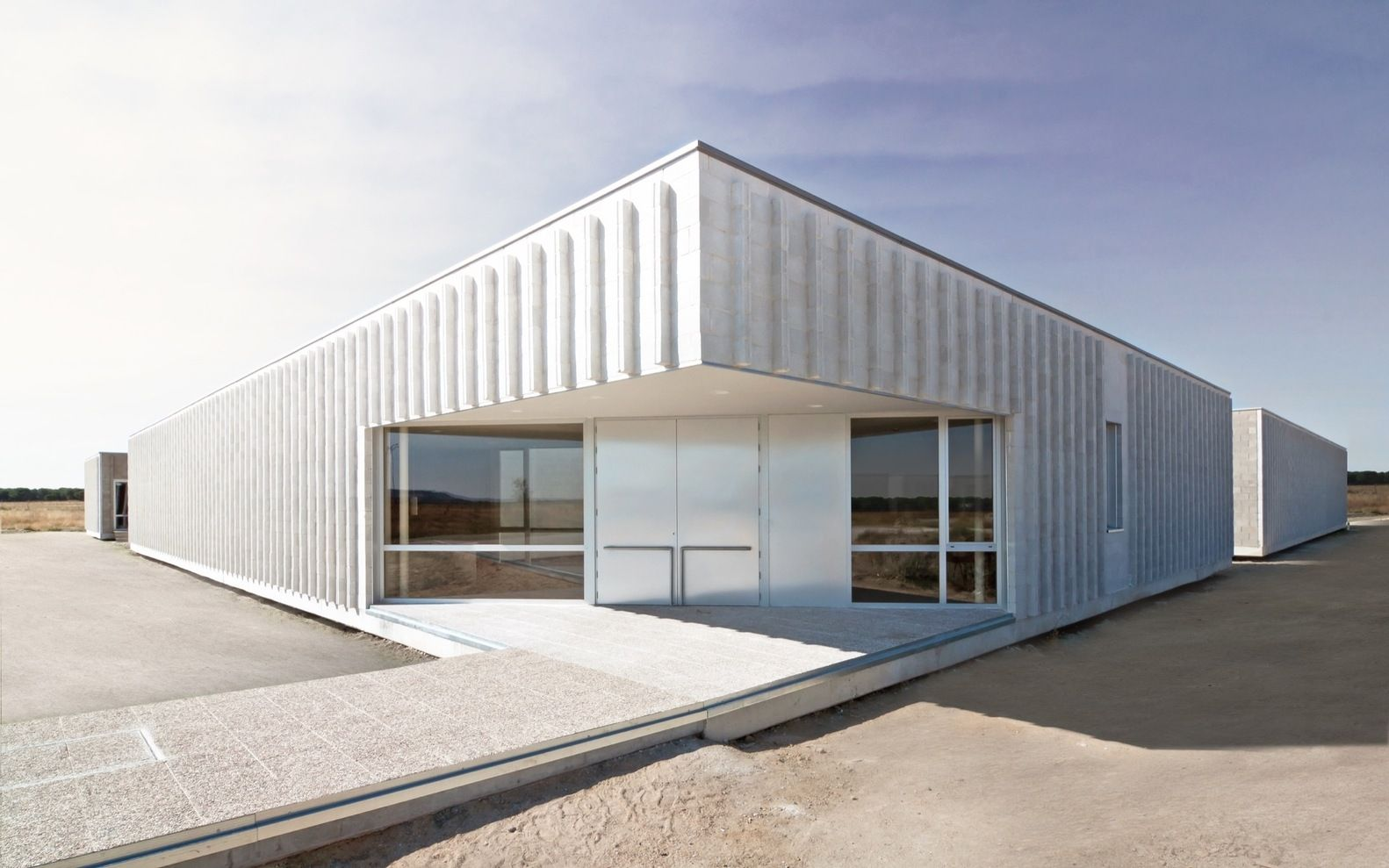 Gallery Of Housing For The Elderly Oscar Miguel Ares Alvarez 25 Residential Architecture Architecture Exterior Minimalist Architecture