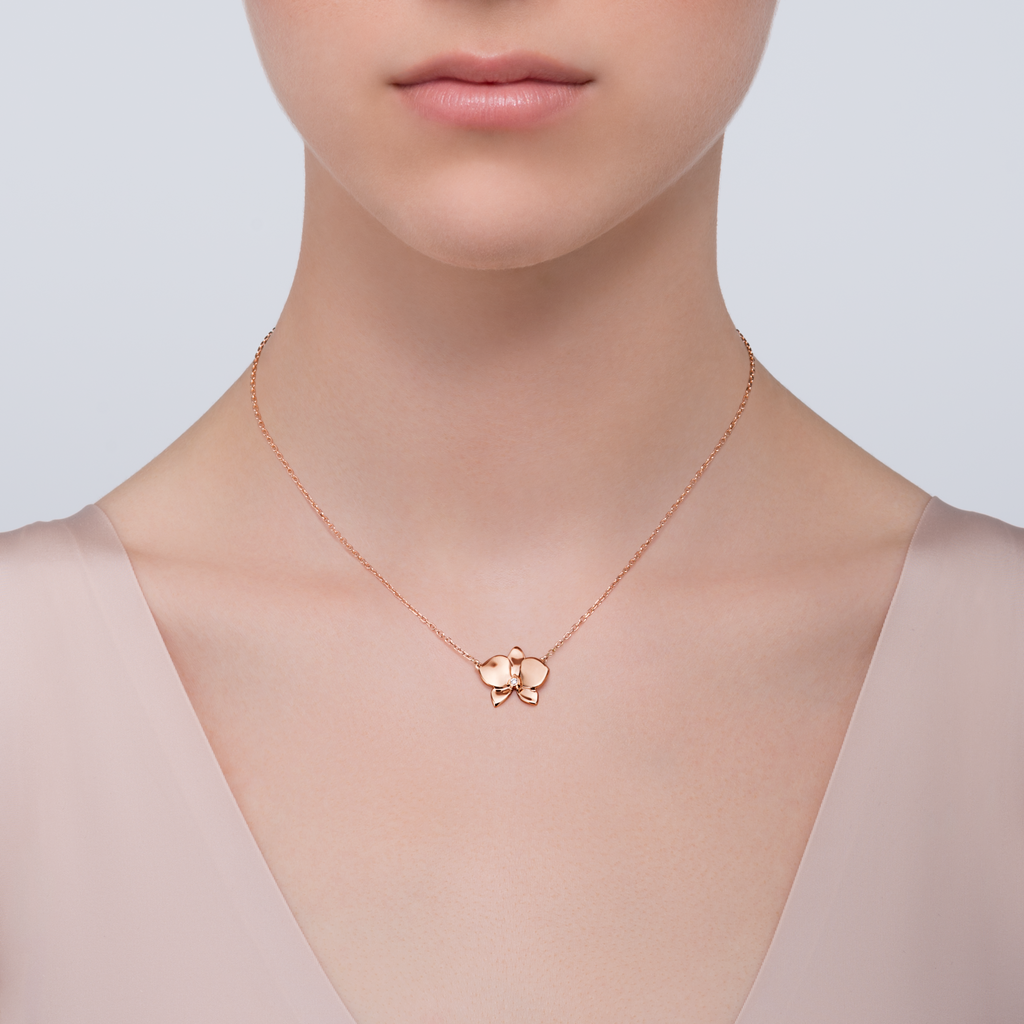 a77d3b9ca4731 Cartier Orchid vs VCA Alhambra Necklace - PurseForum | Jewelry in ...