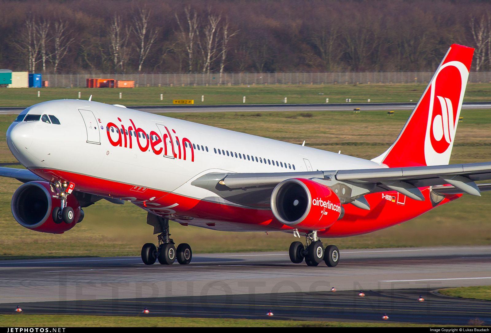 Airbus A330223 DABXD 822 Düsseldorf RheinRuhr Int'l
