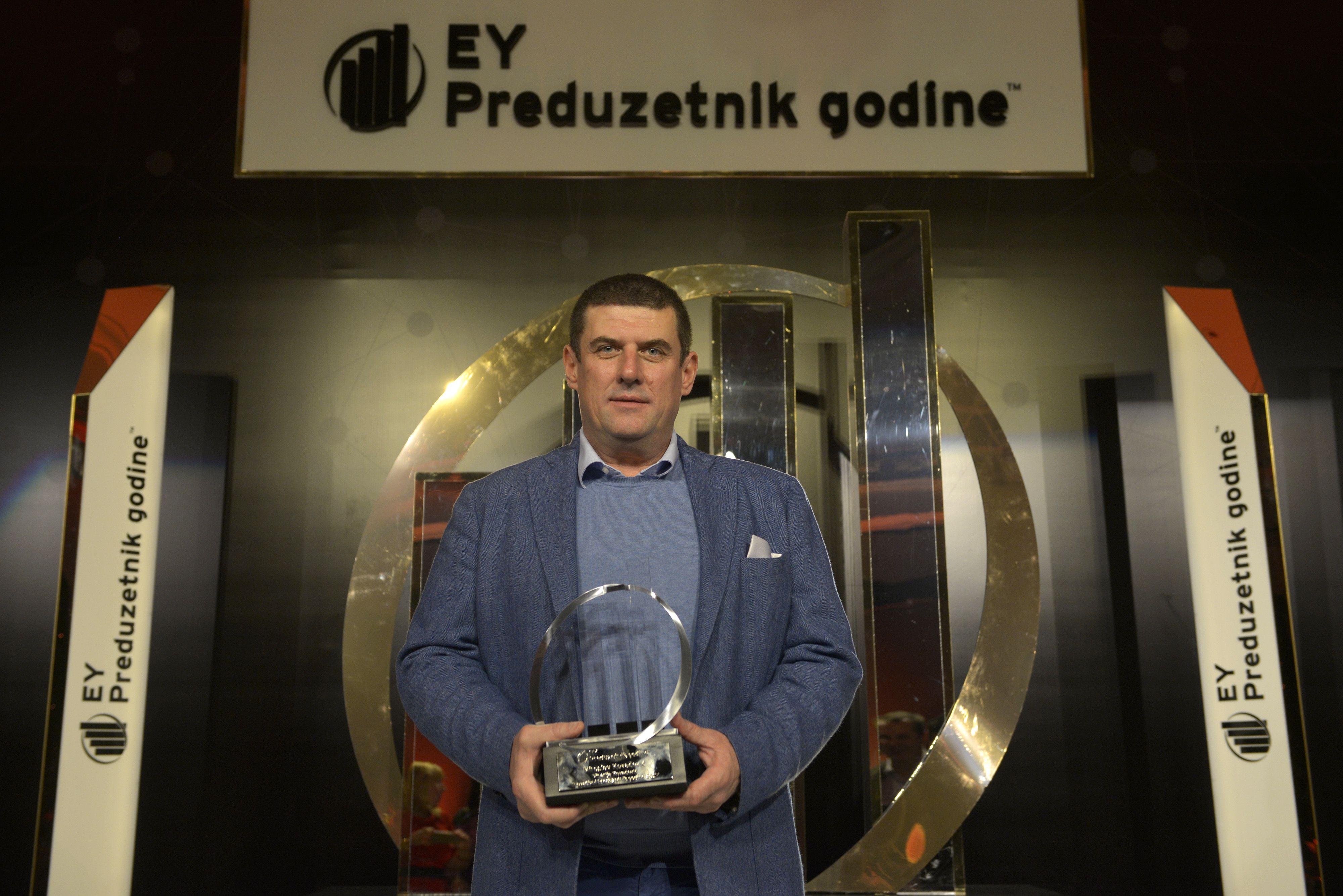 Ey Inovativni Preduzetnik Godine Miroslav Kovacevic Vinarija Kovacevic Denim Jacket Jackets Fashion