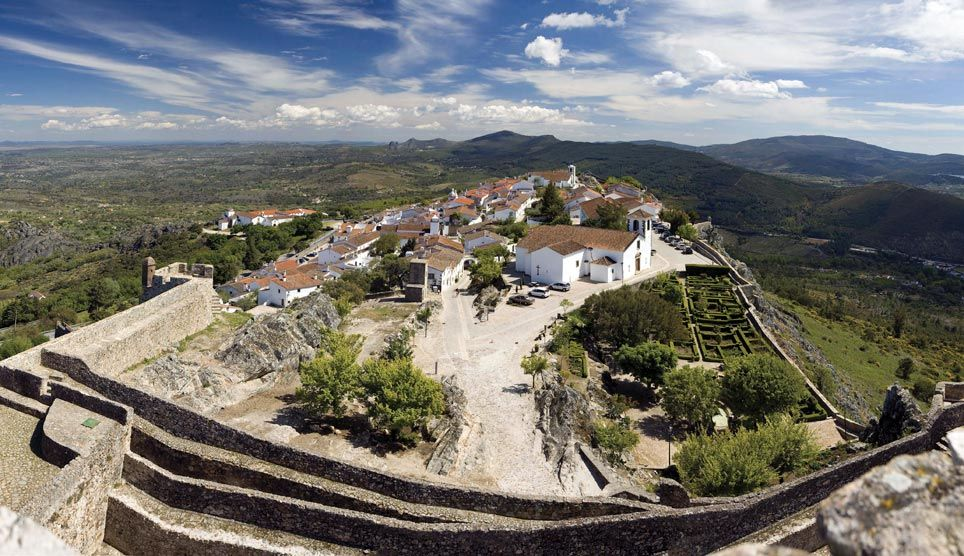 Marvao Portugal This Border Town Is A Fortified City And Castle On A Hilltop Paisajes Viajes Europa