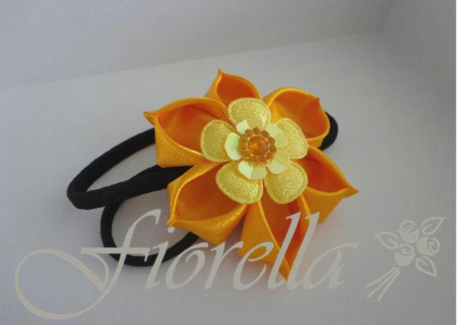 Flor amarilla kanzashi