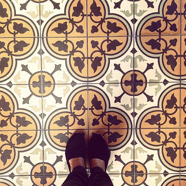 STUDIO LAB DECOR se despedindo de Budapeste! Uma das cidades mais lindas que conhecemos! Muita história contada pela arte,arquitetura e pelo povo que tem orgulho de onde vive! Voltaremos! #Budapeste #budapest #viagem #trip #arquitetura #architecture #design #art #arte #historia #history #detalhes #design #interiordesign #artnouveau #ladrilhos #studiolabdecor #studiolab #studiolabbudapeste #studiolama #studiolabindica