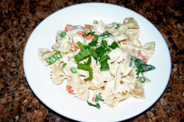 Farfalle with Peas and Carrots | Doctor Yum