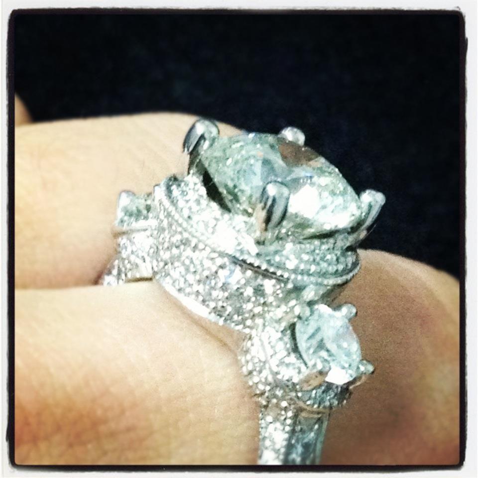 Round brilliant diamond engagement ring stone ring classic