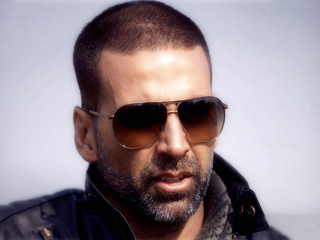 Akshay Kumar Hairstyle Wallpaper Jpg 1024 768 Akshay Kumar Bollywood Actors Bollywood Movies