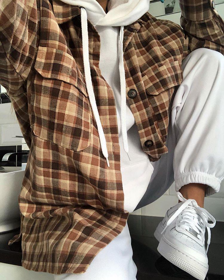 """Photo of -Neu gepinnt von: theboynxtdoor womensfashion fashion style outfits ∘ – Cool Style-Neu gepinnt von: theboynxtdoor womensfashion fashion style outfits ∘ fashion 3 Basic Pieces Make the Perfect Chic Outfit C A I T L I N H E A T H on Instagram: """"Check out @lottietomlinson new range @inthestyle Brown oversized boyfriend shirt. inthestyle"""" Was bei 60-Grad-Wetter zu tragen ist: 45 beste Outfit-Ideen zum Kopieren – Natur – Mode – Reise Leidenschaft -… #fashion #outfits #trends #winter #fallnights"""
