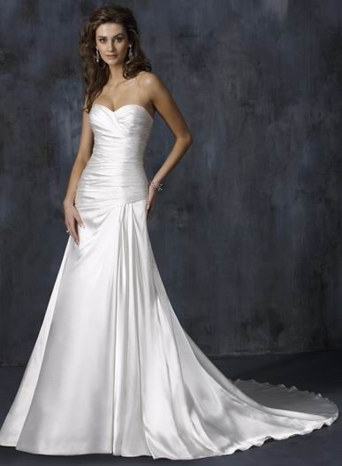 Simple Strapless Corset Chapel Train Lace Up Sweetheart Ruched Satin Wedding Dress For Brides
