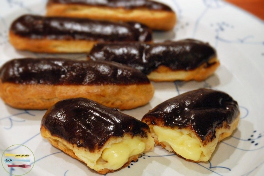 traditional french chocolate eclairs (éclairs au chocolat)