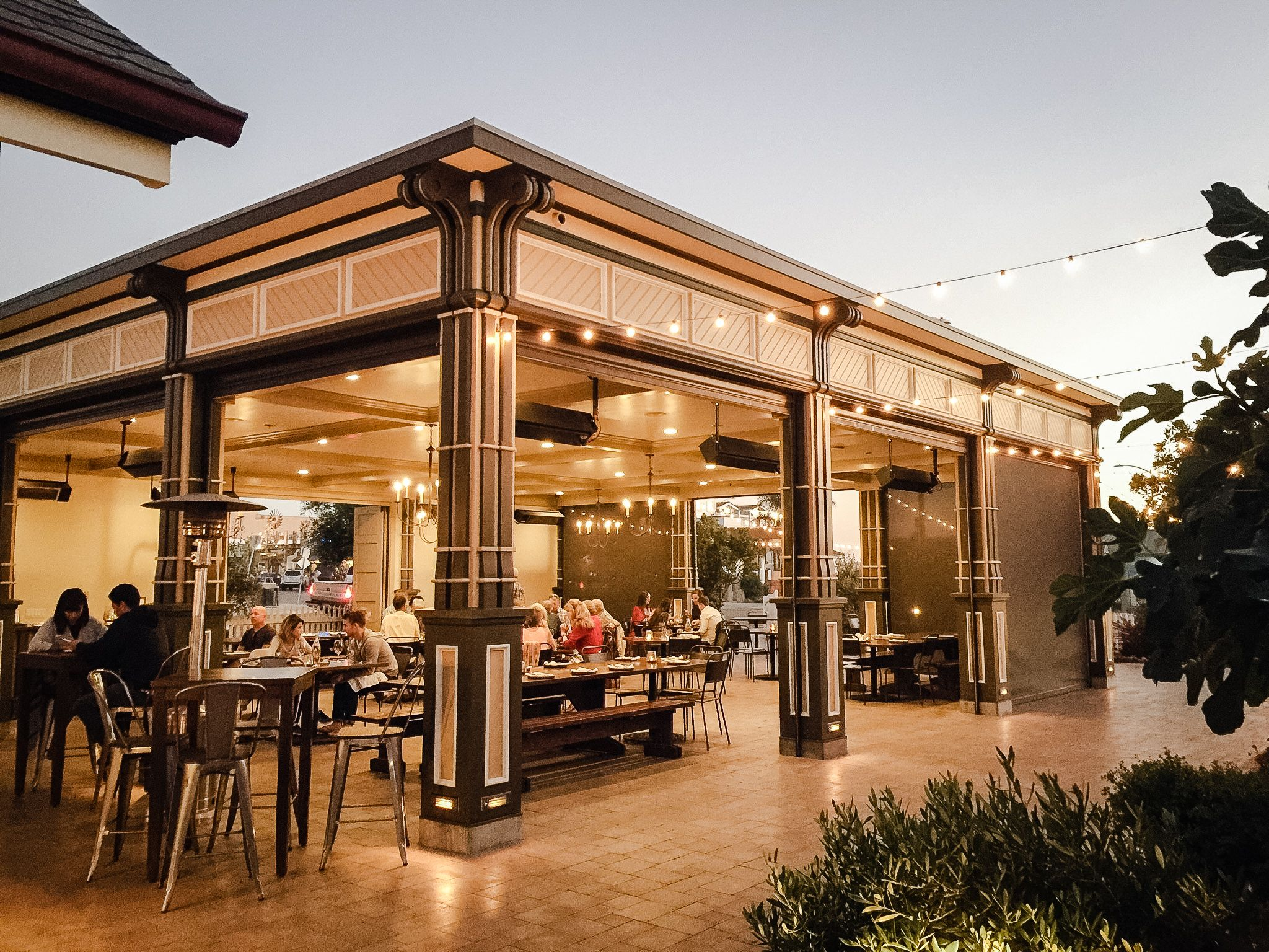 Openair dining and wedding venue on California's Central