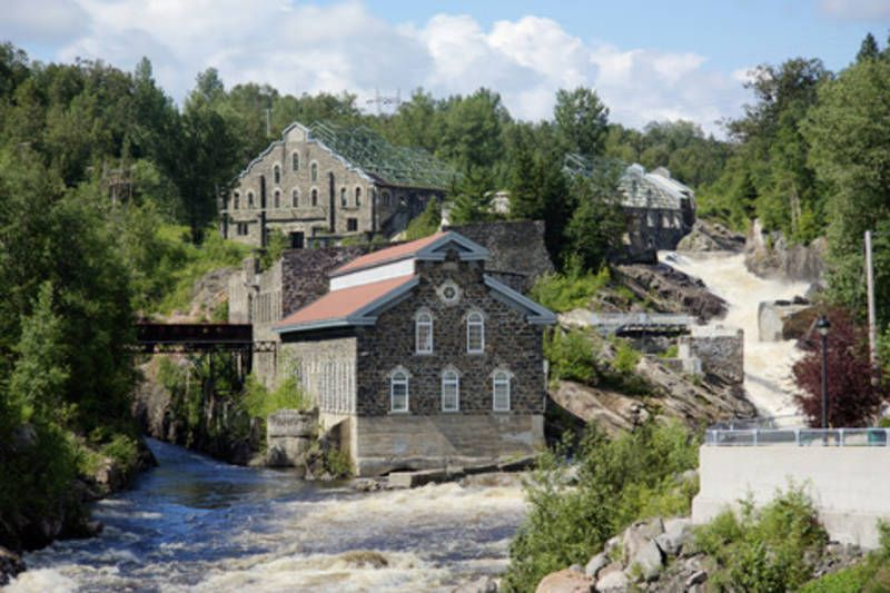 La Pulperie de Chicoutimi / Regional Museum. La Pulperie de Chicoutimi tells the story of the company and the people of the region in a captivating manner. Much more than a regional museum, its