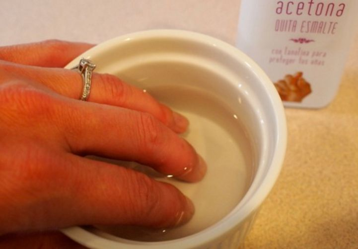 How To Remove Acrylic Nails At Home Fast Without Acetone Acrylic Nails At Home Gel Nail Removal Remove Acrylic Nails