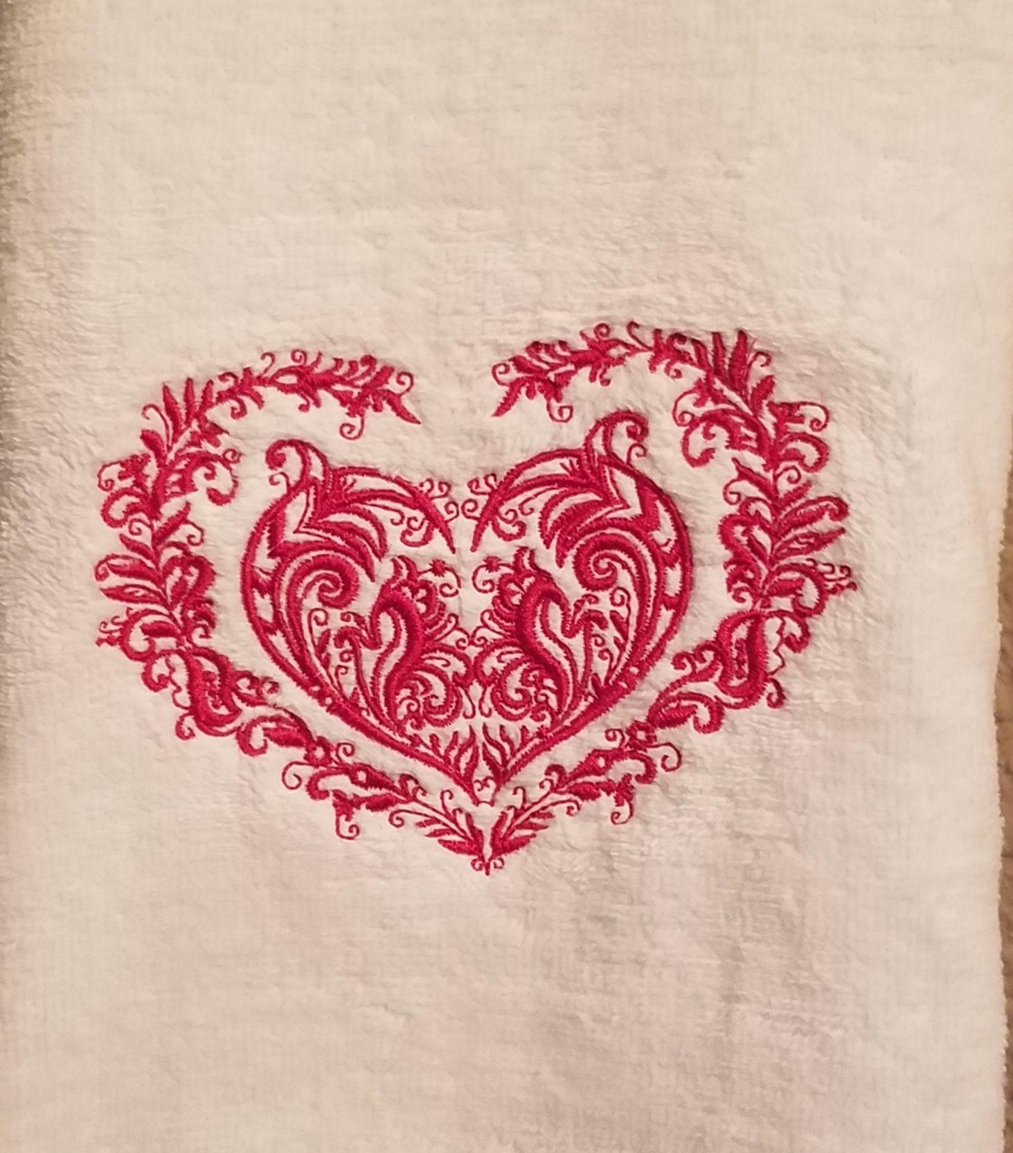 "Valentine/'s Day Hearts Design Velour//Terry Cloth Kitchen Hand Towel  26/"" X 16/'/'"