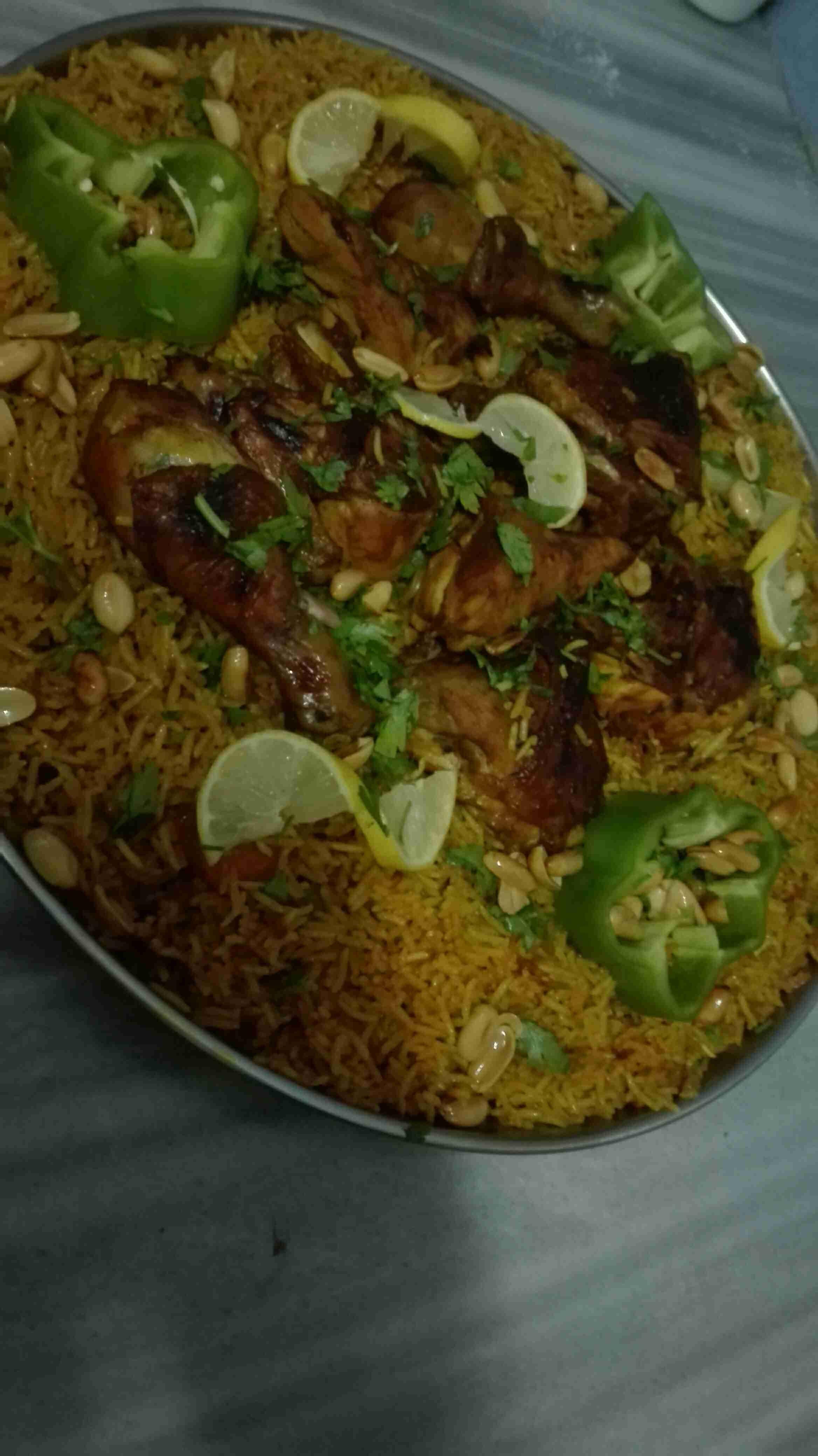 Chicken Saudi Kabsa طريقة كبسة الدجاج بالصور Egyptian Food Middle Eastern Recipes Global Cooking