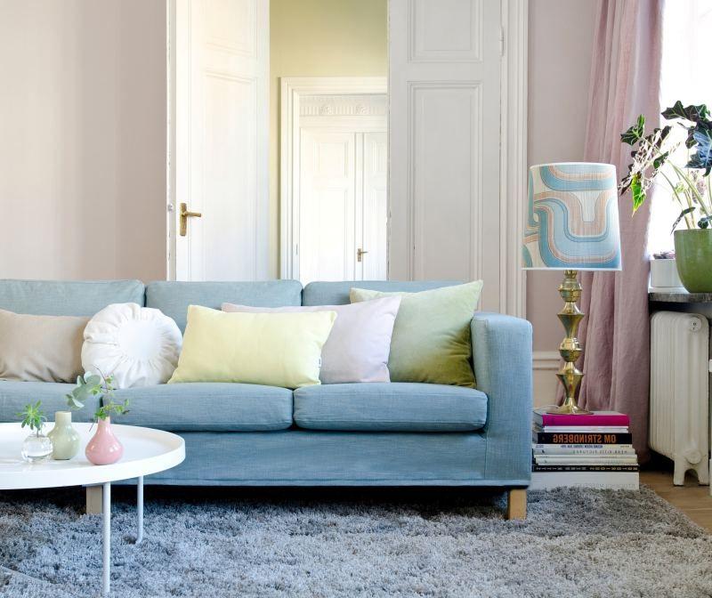 Idei Dlya Gostinoj In 2020 Light Blue Couches Modern Sofa Designs Living Room Designs