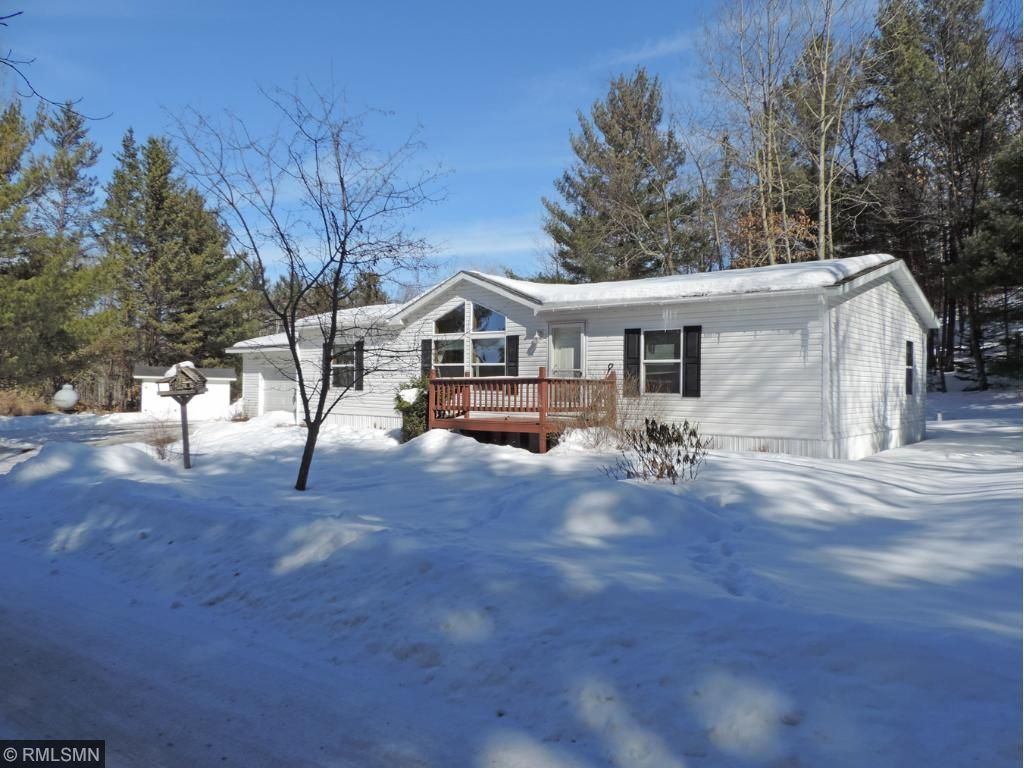 Immaculate, 3 bedroom, 2 bath country home on 2.5 acres. Home offers ...