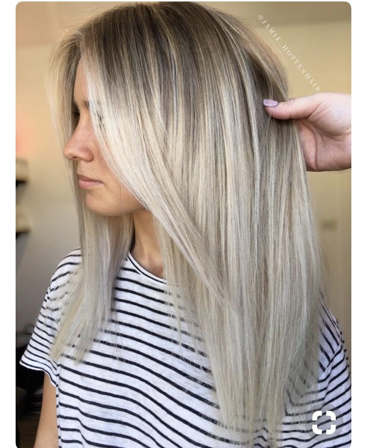 Brunette With Grown Out Blonde Straight Blonde Hair Hair Styles Balayage Hair