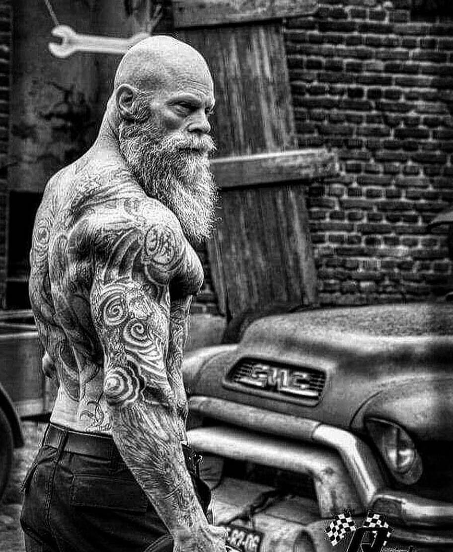 Bearded Tattooed Stud Loves Slamming Teenage Teenager's Butt Hole