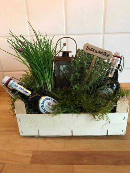 Eine Raffinierte Idee Um Ein Geldgeschenk Wunderschon Und Praktisch Zu Verpacken Ein Ideales Geschenk Fur De Geschenk Garten Biergeschenke Diy Kindergeschenke