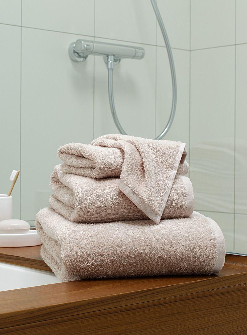 exclusivit simons maison pour tous vos usages quotidiens des serviettes pur coton absorbantes. Black Bedroom Furniture Sets. Home Design Ideas